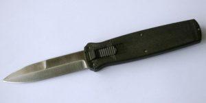 ножи с автоматическим фронтальным выбросом лезвия, фронтальный нож,фронталка или выкидной нож, нож автомат, нож механика Титова